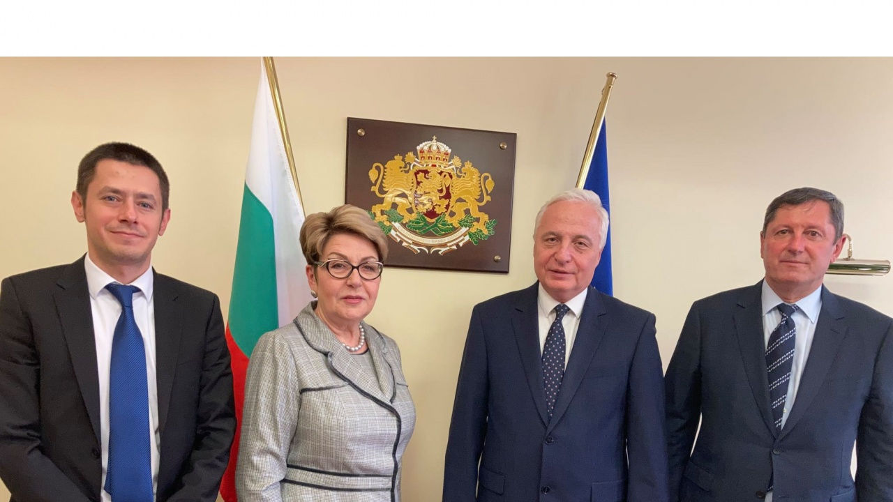 Председателят на Сметната палата на среща с руския посланик у нас