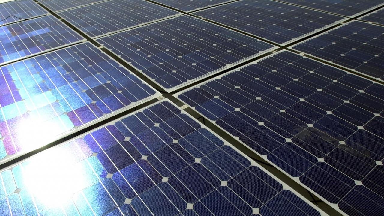 Соларна беседка за отдих и зареждане на мобилни устройства е монтирана в Генерал Тошево