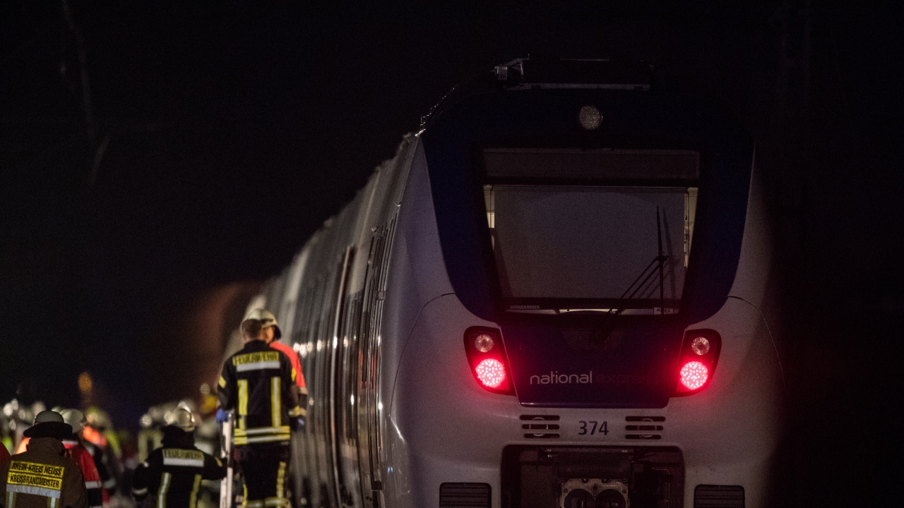 Най-малко 32 загинаха при железопътна катастрофа в Египет