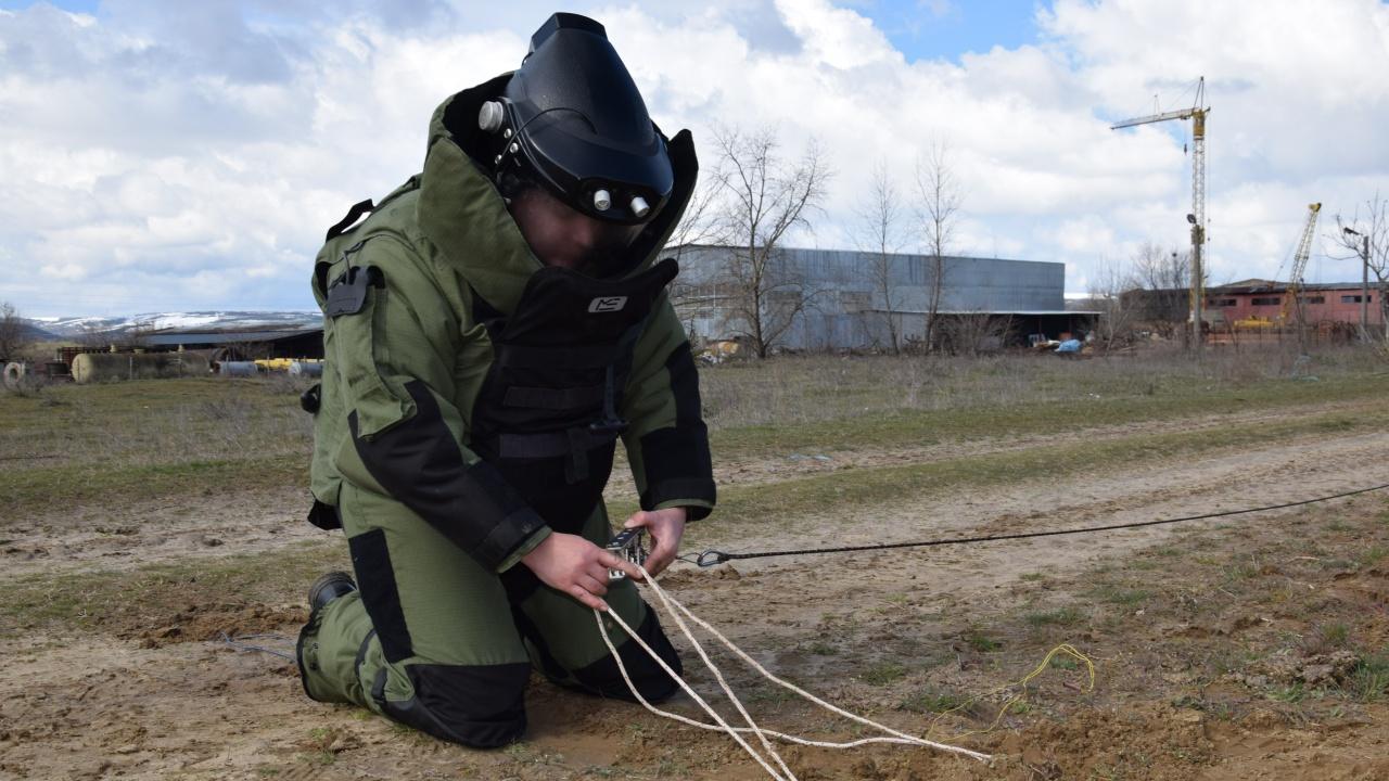 Военнослужещи от Сухопътните войски повишават подготовката си в помощ на населението