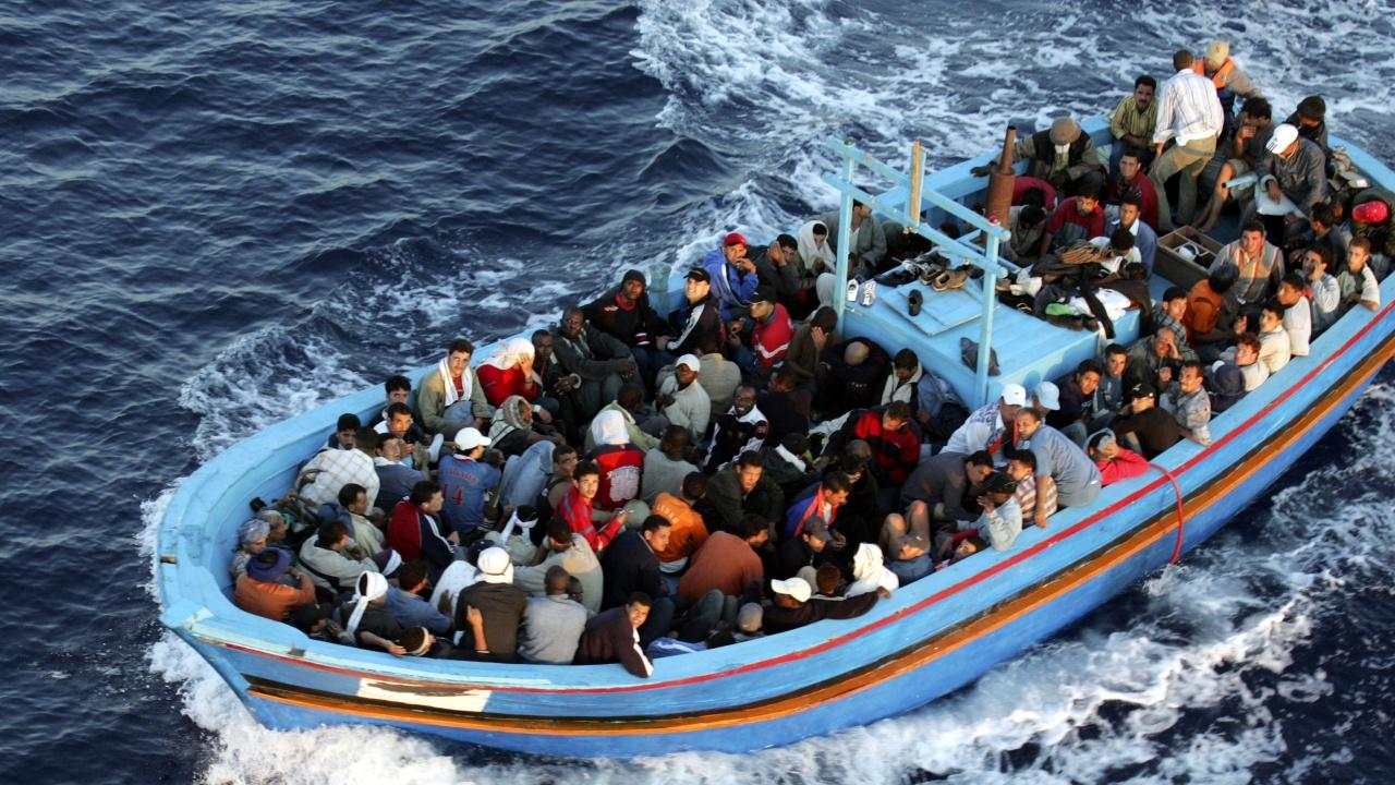 Общо 2276 мигранти са загинали в опит да стигнат до Европа миналата година