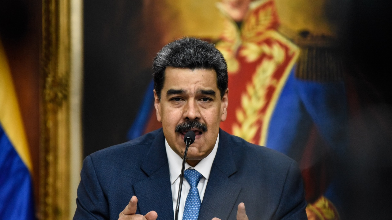 """""""Фейсбук"""" блокира Мадуро заради """"чудодеен лек"""" срещу COVID-19"""