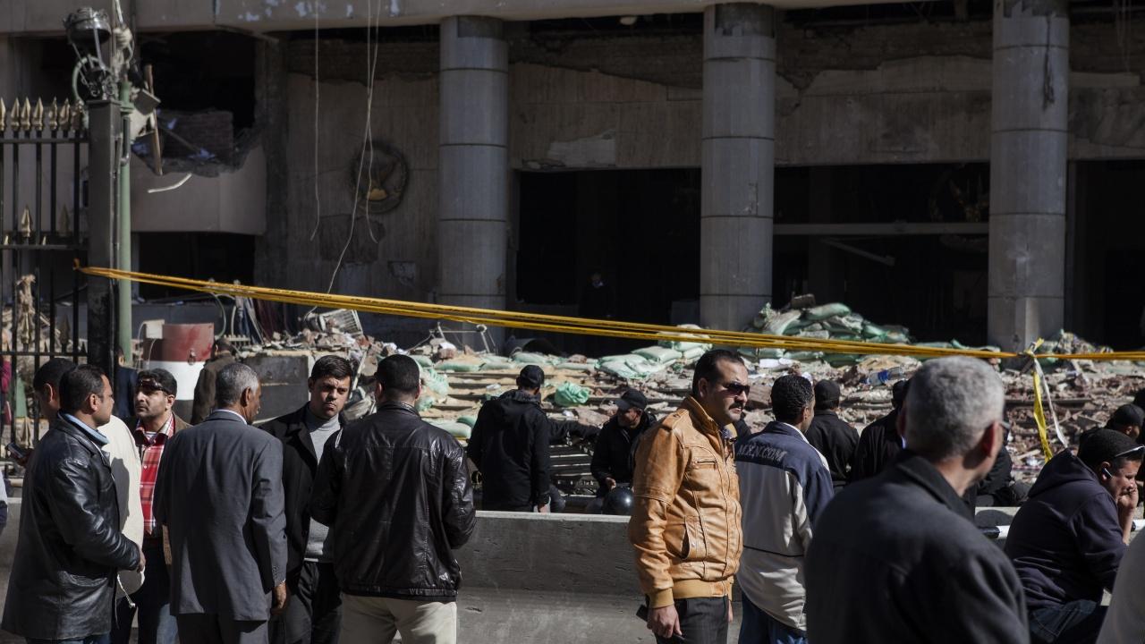 Петима загинали и много ранени при рухване на сграда в Кайро