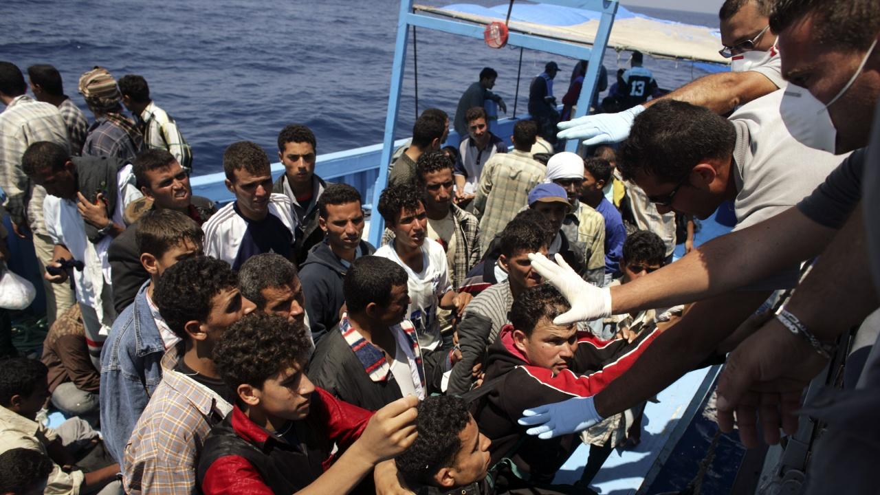 Кораб спаси 38 мигранти в Средиземно море