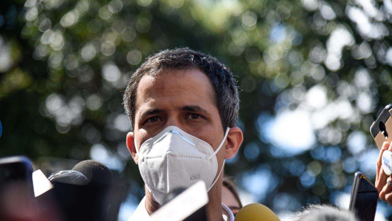 Лидерът на опозицията във Венецуела е в изолация с коронавирус
