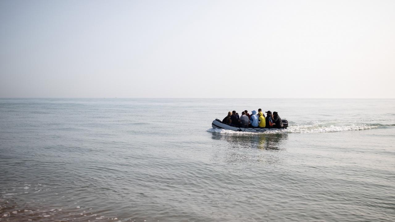 Двама мигранти загинаха край бреговете на Испания, след като лодката им се преобърна