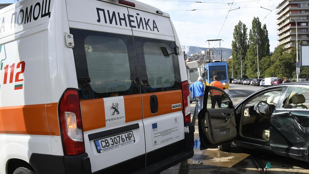 Автомобил блъсна 8-годишно дете в Петрич