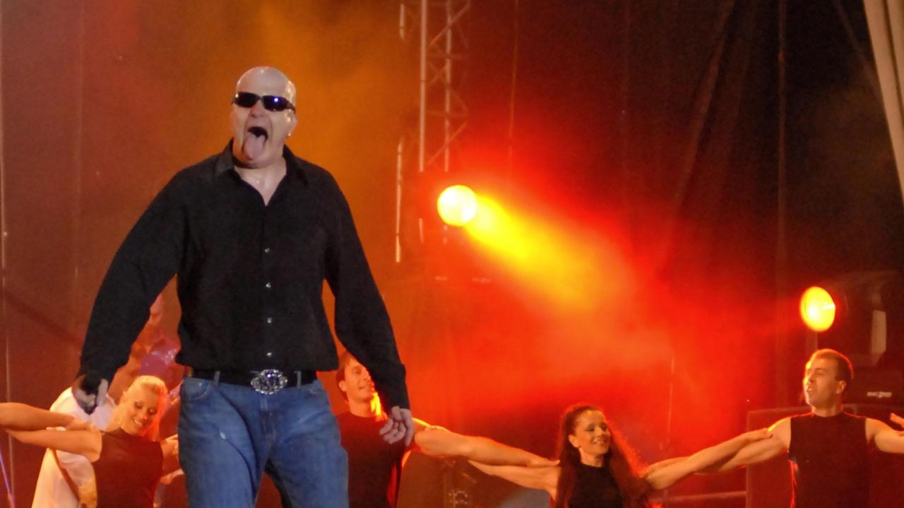 Трифонов закрива предизборната кампания с изненадващ концерт в петък