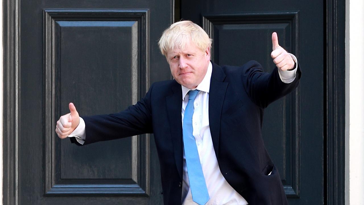 """Борис Джонсън призова британците да се """"забавляват"""", скоро ще отворят кръчмите и магазините"""
