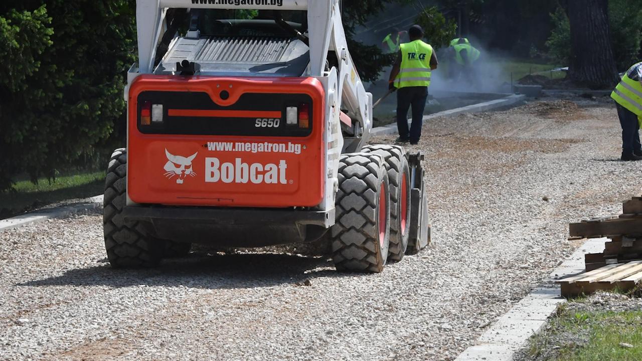 Започнаха ремонтите на улици в Община Търговище