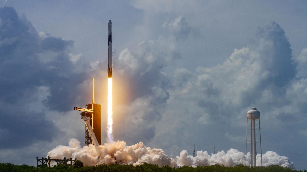 Прототипът на кораба Starship на SpaceX се разби при кацане в Тексас