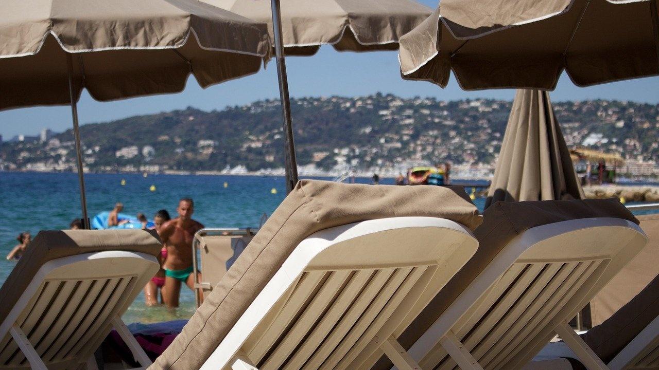 БХРА иска чадърите на плажа  да са безплатни поне за три години