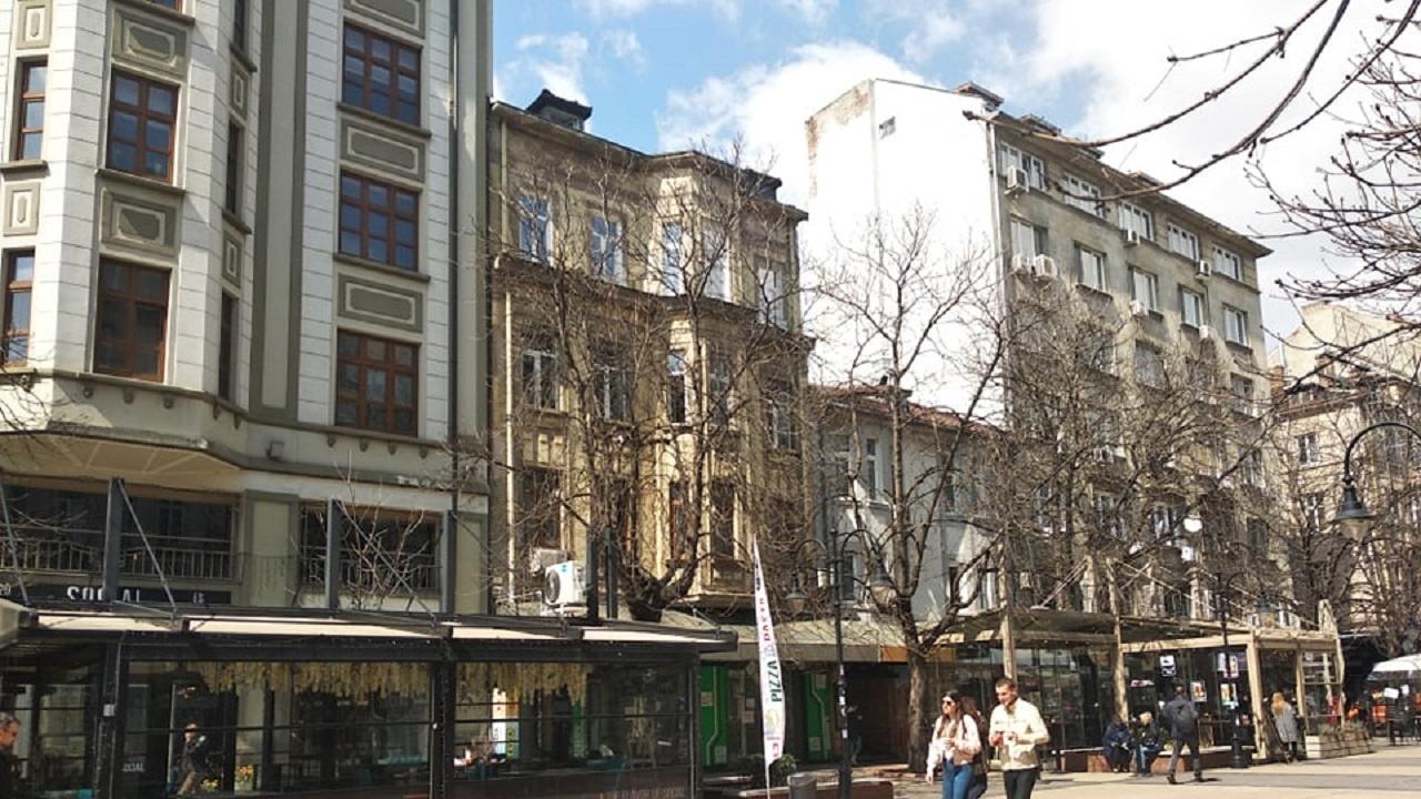 Тече трескава подготовка за отваряне на заведенията в София