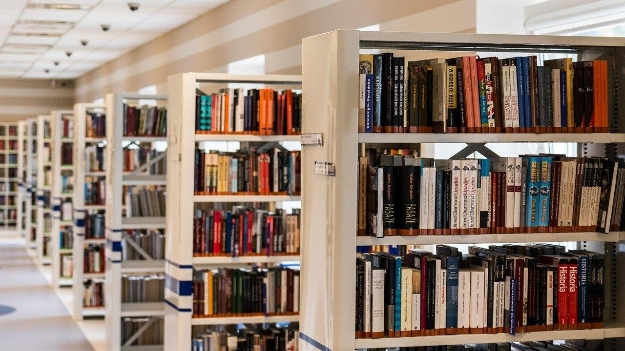Машина за дезинфекция на книги закупи регионалната библиотека в Монтана