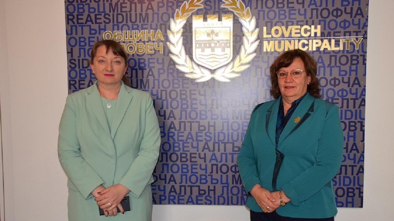 Социалният министър Деница Сачева с висока оценка на свършеното в Ловеч
