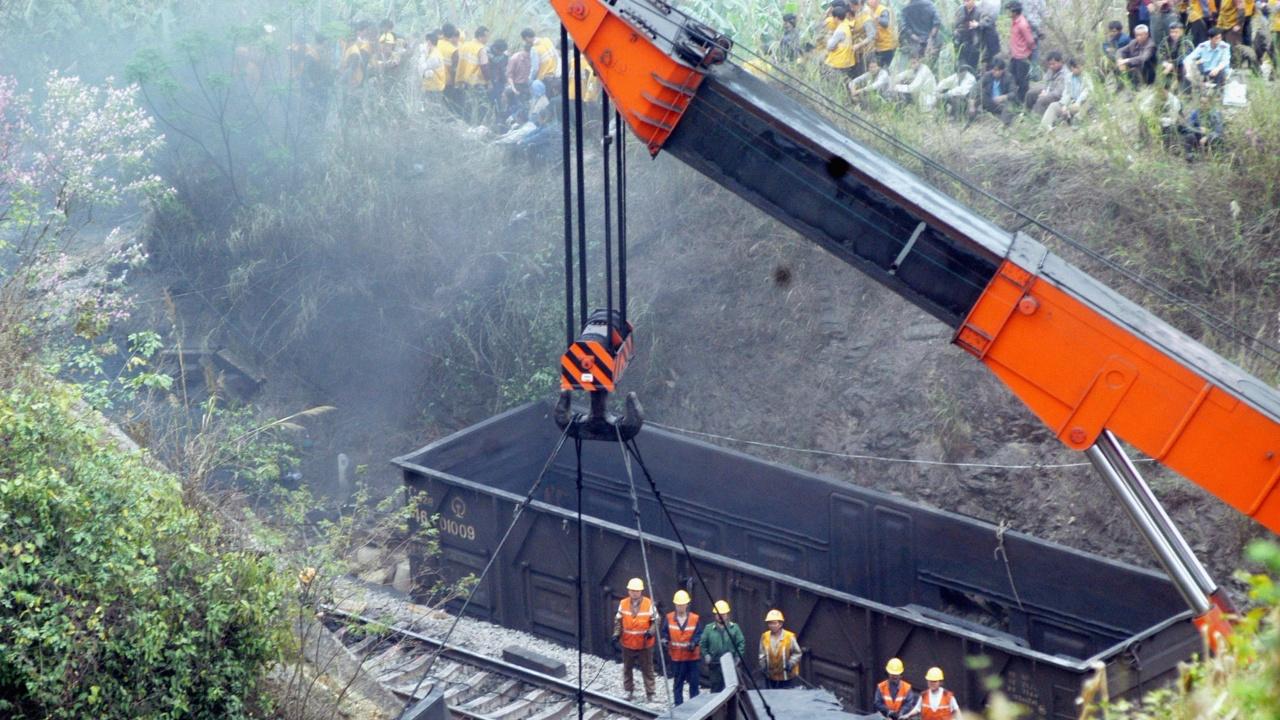 Още десетки жертви и ранени при дерайлирането на влак в тунел в Тайван
