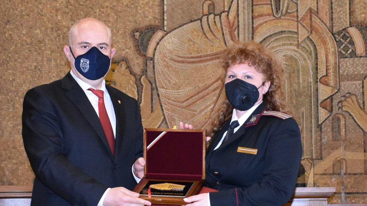 Гешев награди прокурори, следователи, съдебни служители и представители на СВР, ДАНС и МВР