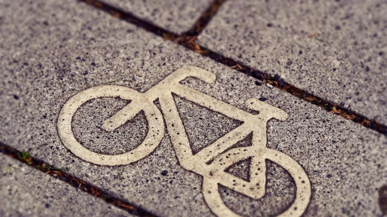 В Сливен глобавят велосипедисти по Главната улица