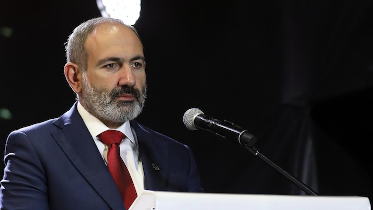 Премиерът на Армения влезе в карантина, за да се срещне с Путин
