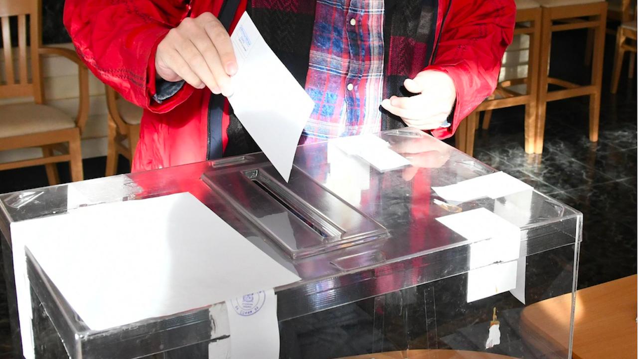 Нормално започна изборният ден в Пазарджишка област