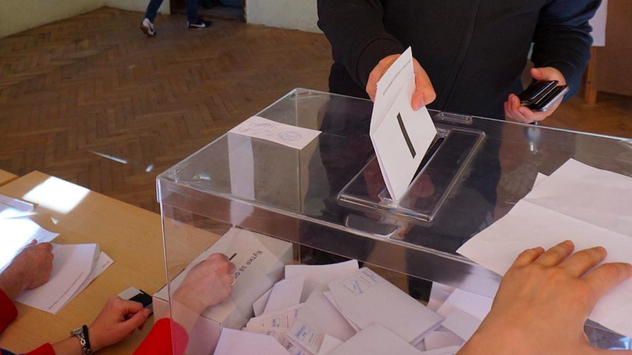 Изборният ден в Шуменско започна нормално, в спокойна обстановка