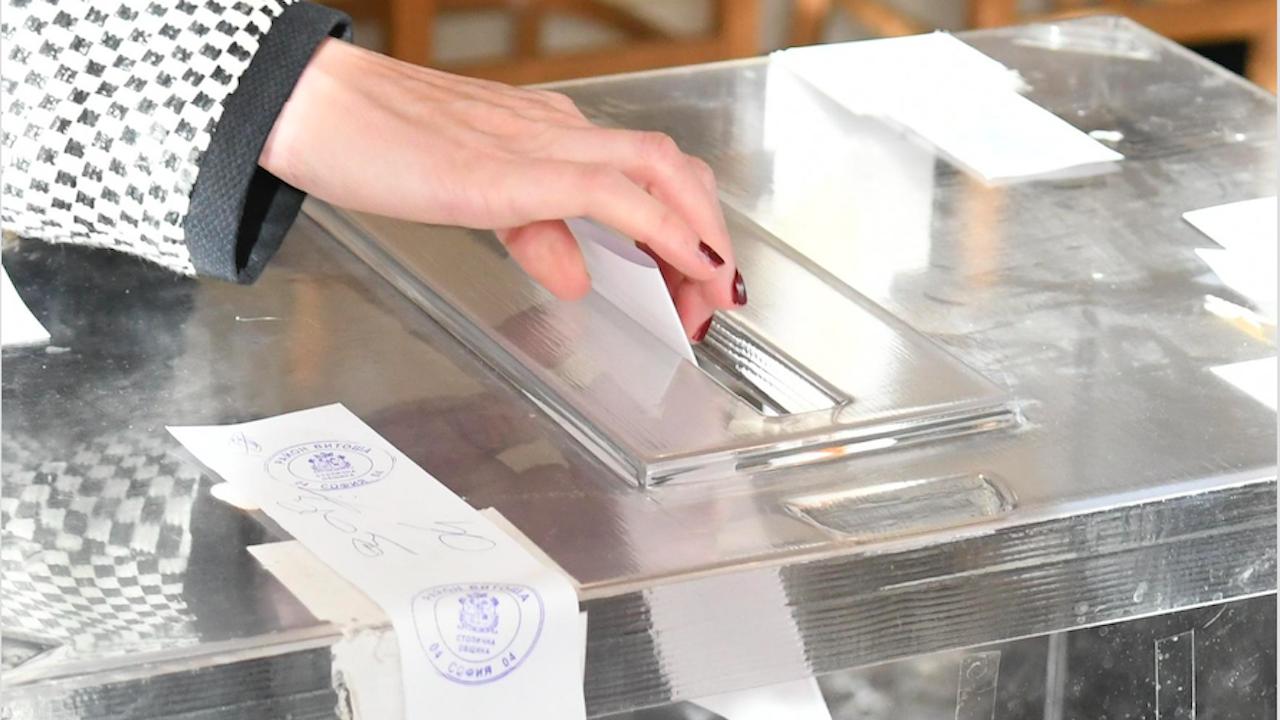 Във всичките 275 СИК в Ловешка област изборният ден е започнал нормално