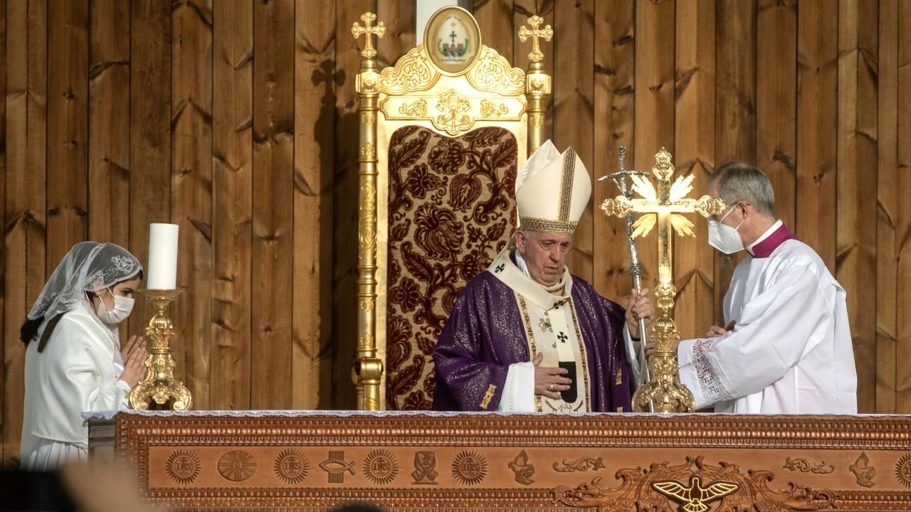 Папа Франциск отслужи Великденска неделна меса
