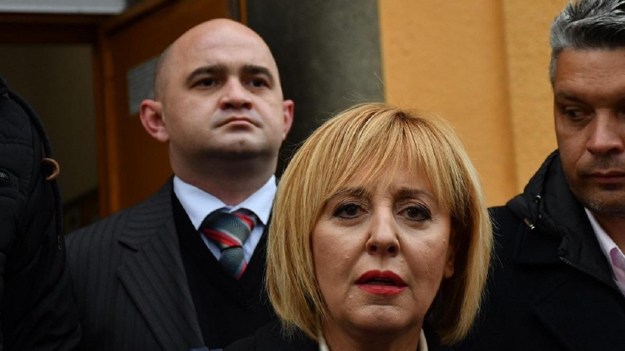 Мая Манолова се е погрижила за ромския вот