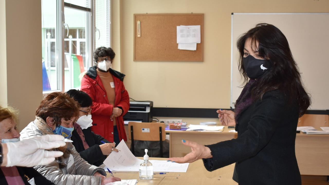 Росица Кирова: Гласувах за Видин, важен е осъзнатият вот