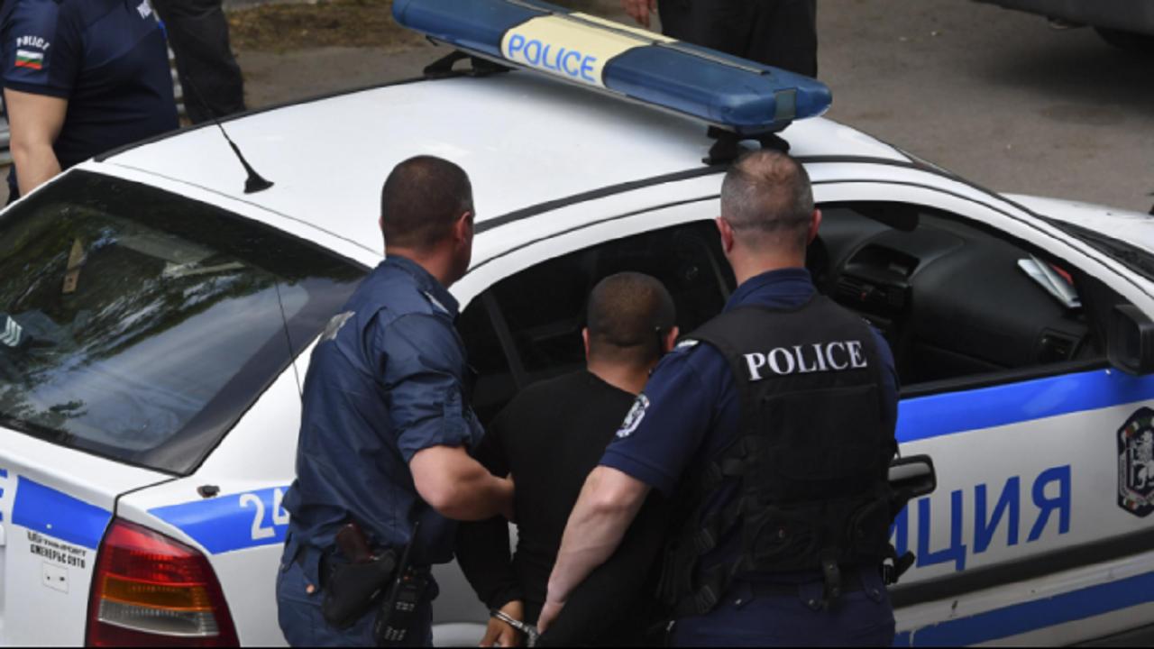 Спипаха нелегален мигрант в товарен автомобил в П. Тръмбеш