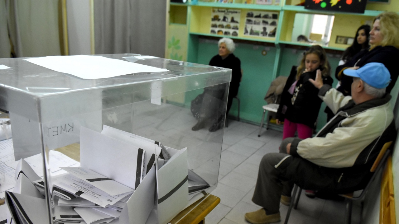 Към 17 часа избирателната активност във Варненска област е 40,12%