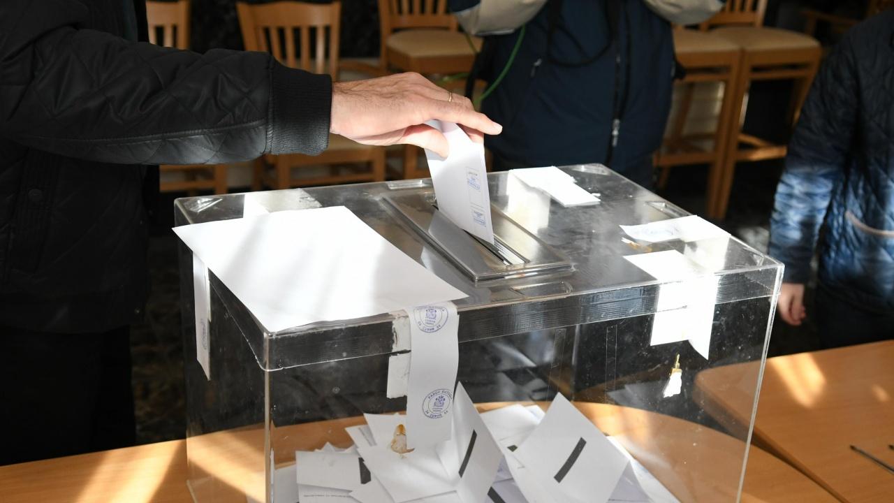 В четири общини в област Враца избирателната активност премина 50% към 17 часа