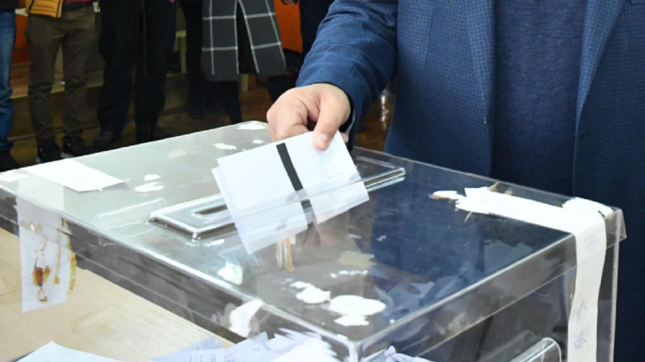 При обработени близо 70% протоколи от секции във Варненско печели ГЕРБ-СДС