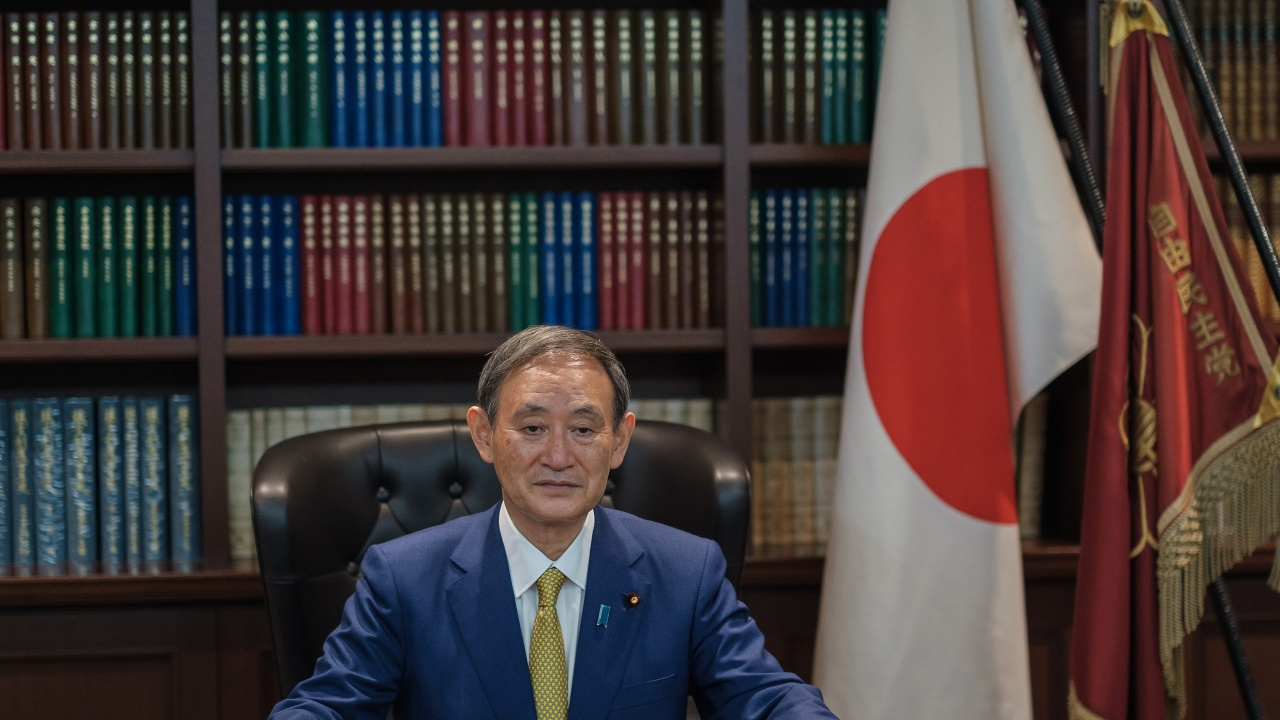Премиерът на Япония с втора доза от ваксината на Пфайзер преди планираната визита в САЩ