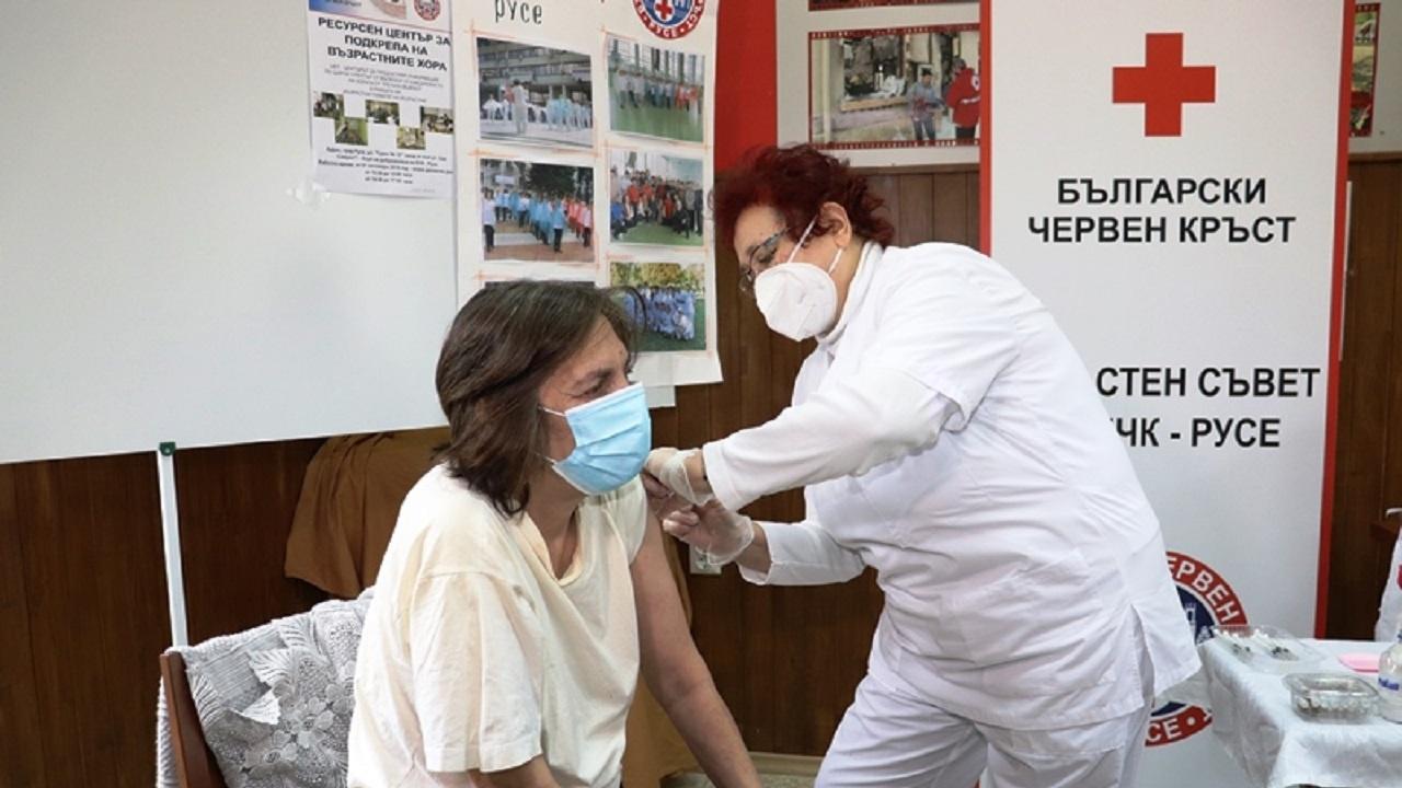 Започна ваксинацията срещу COVID-19 на скитниците в Русе