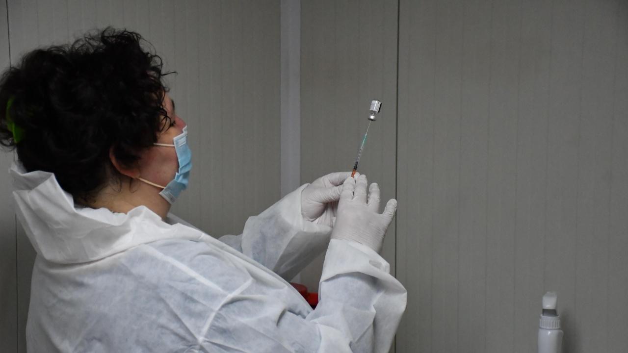 В Русе ваксинират бездомни срещу COVID-19