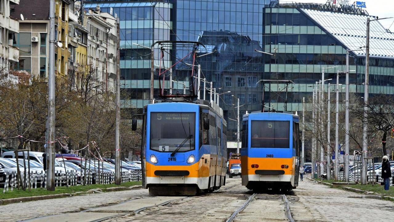 Въвеждат облекчен режим за паркиране около трасето на трамвай №5