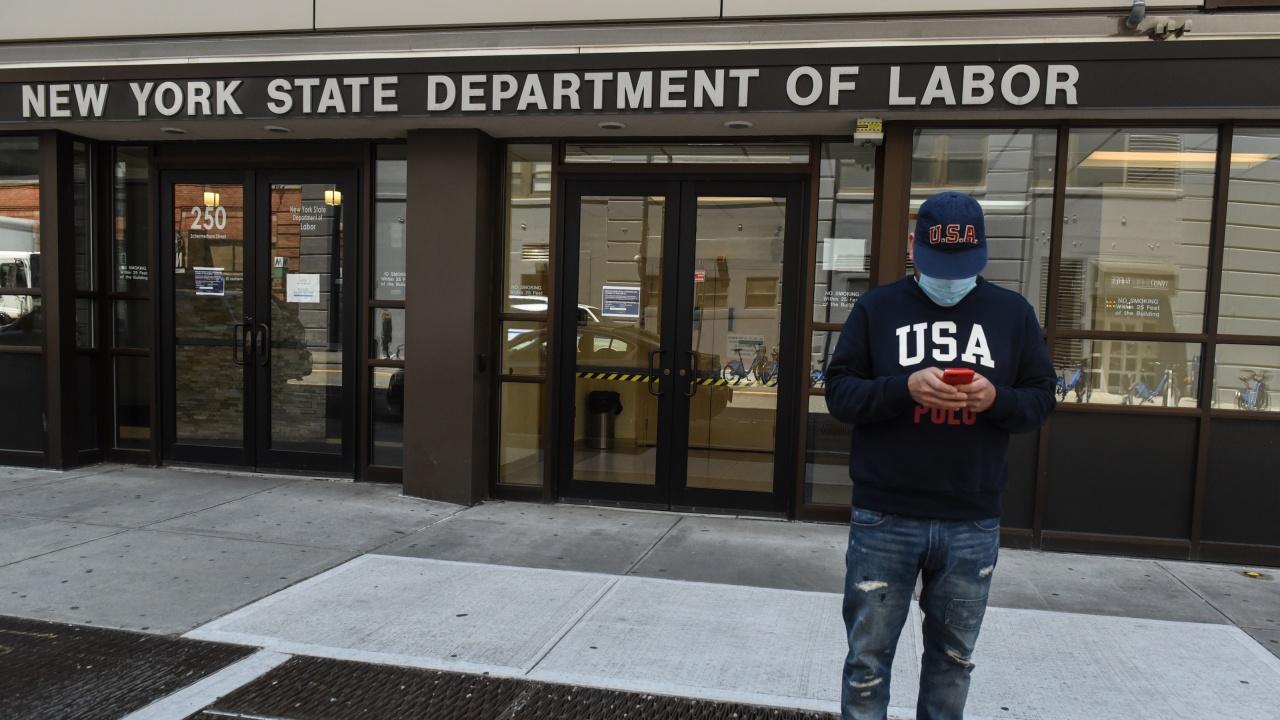 САЩ: Изненадващо повишаване на исковете за обезщетения за безработица до 744 000