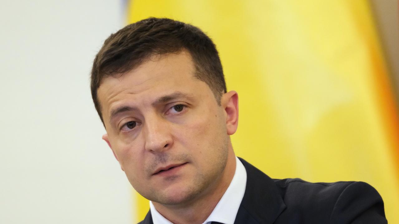 Зеленски посети фронтовата линия в Източна Украйна на фона на изострено напрежение с Русия