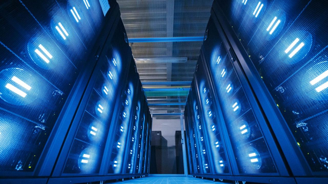 """САЩ добавиха 7 китайски суперкомпютри към """"черния списък"""" заради опасения за националната сигурност"""