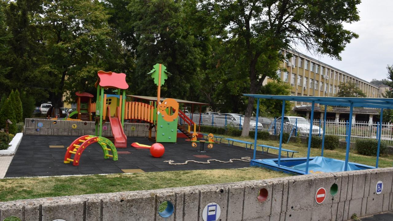 Община Пловдив отделя 350 000 лева за облагородяване на училищните дворове