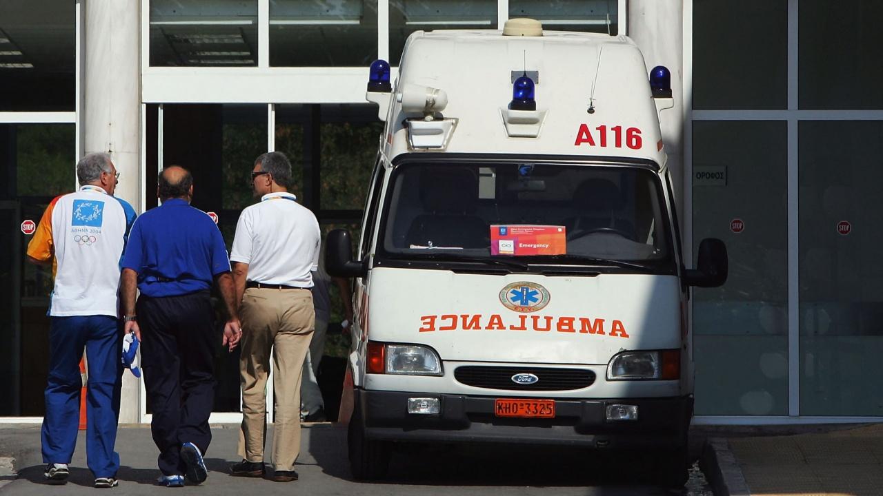 Бус с миганти се обърна в Гърция. Има ранени