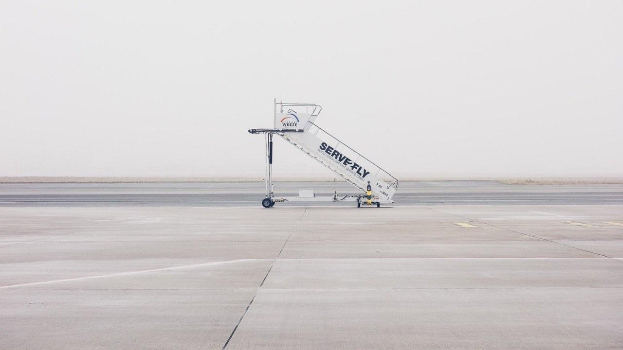 Анулирани са над 800 полета до Бургас и Варна за април и май