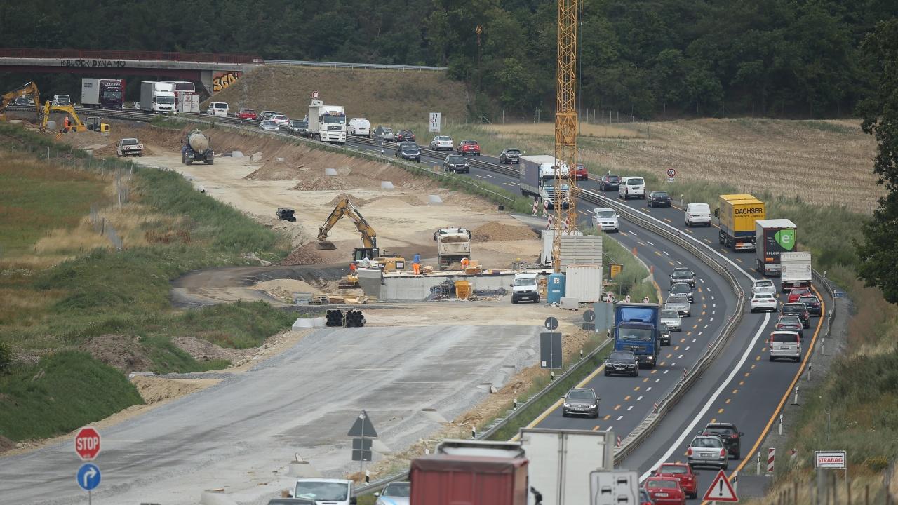 """Десет са офертите за строителството на последните 16,5 км от АМ """"Европа"""" между Сливница и София"""