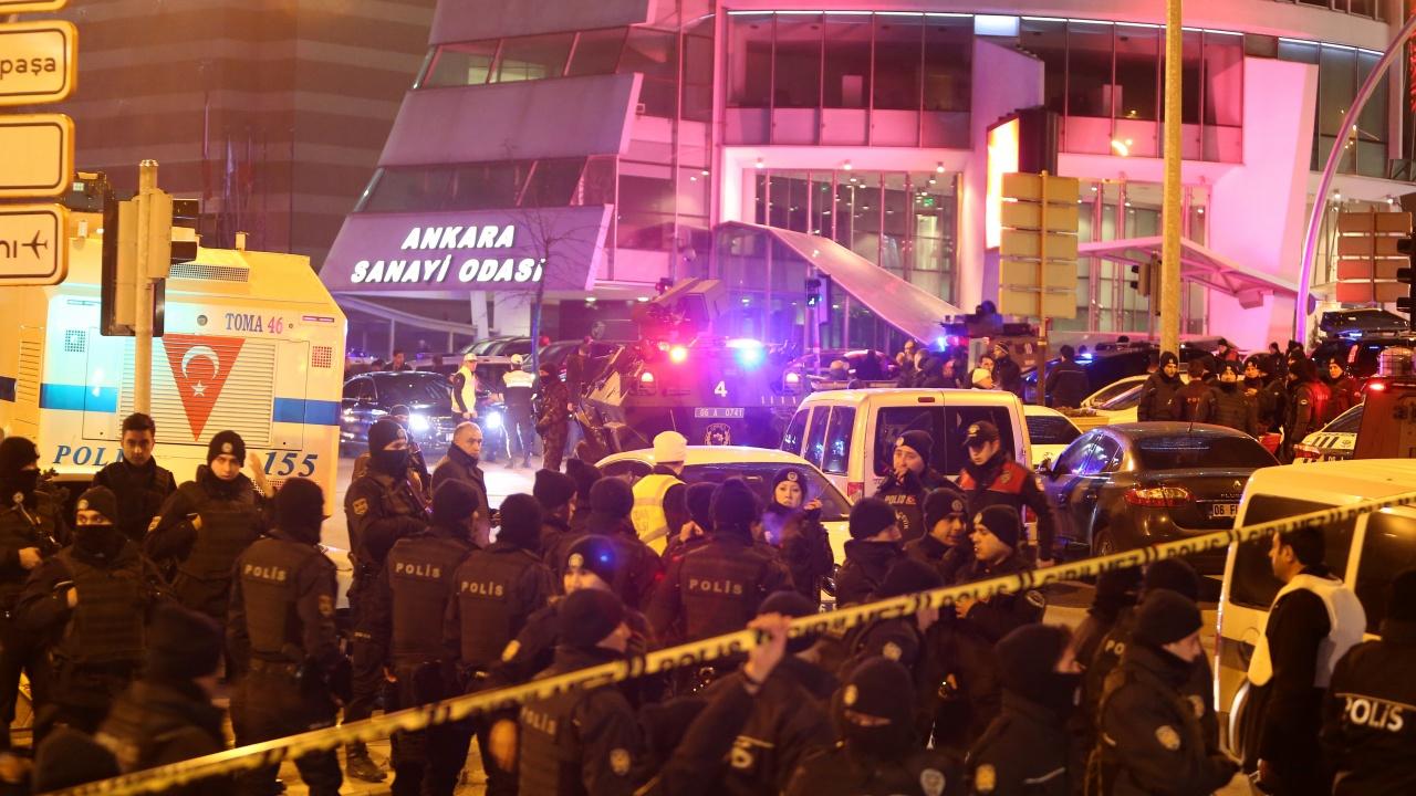 Мащабна полицейска акция тече в Турция