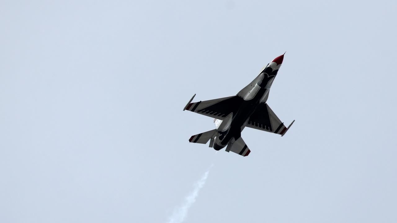 Руски изтребител съпроводи американски разузнавателен самолет над Тихия океан