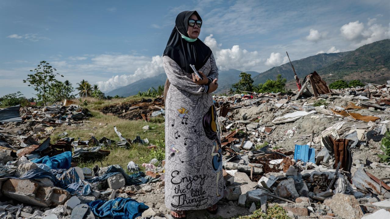 Шестима станаха загиналите при силното земетресение в Индонезия