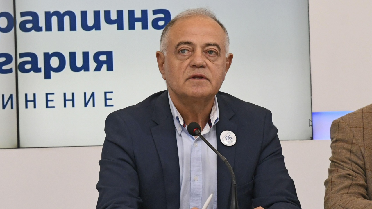 Ген. Атанасов припомни, че основната цел е сваляне на ГЕРБ от власт