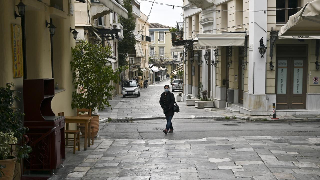 От днес отварят магазините в Солун и Ахая