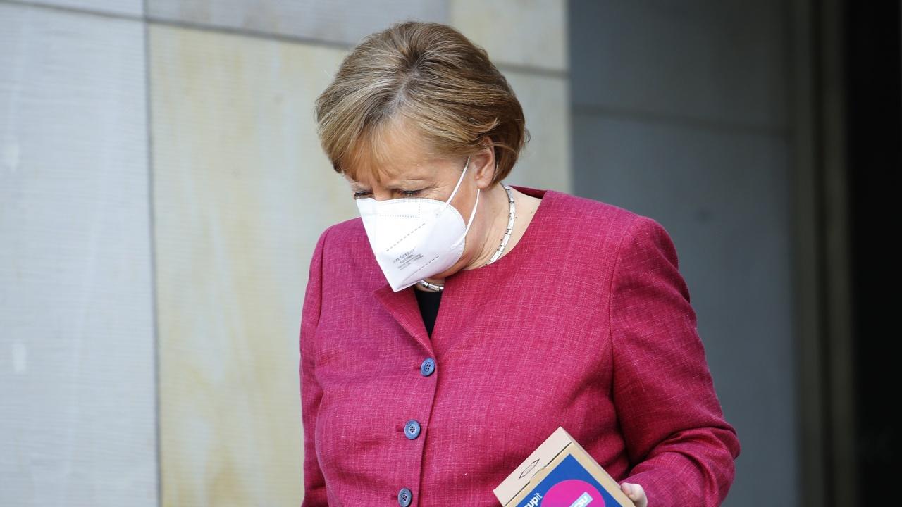 """Ангела Меркел отмени ваксинацията си с """"АстраЗенека"""""""